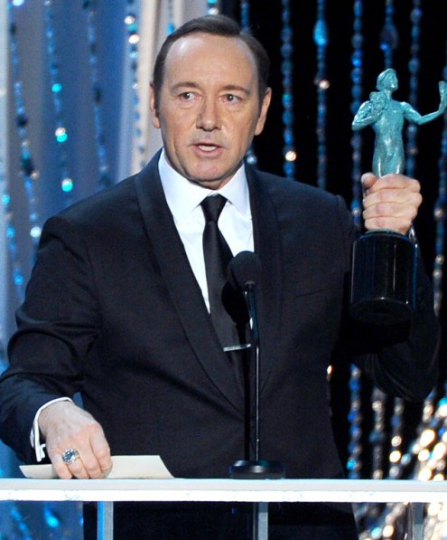 rs_634x765-160130184506-634-kevin-spacey-accepting-sag-awards-candids-2016 (1) (495x597, 77Kb)