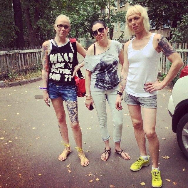 Двое геев и трансвестит фото 372-244