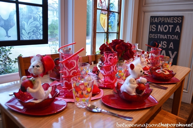 Childrens-Valentines-Day-Table-Setting-Tablescape-2 (650x431, 257Kb)
