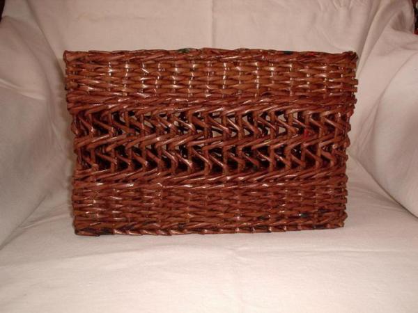 Корзинка для белья — плетение из газет16 (600x450, 170Kb)