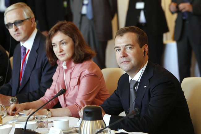 Dmitry_Medvedev_in_Germany_July_2011-7 (650x434, 48Kb)