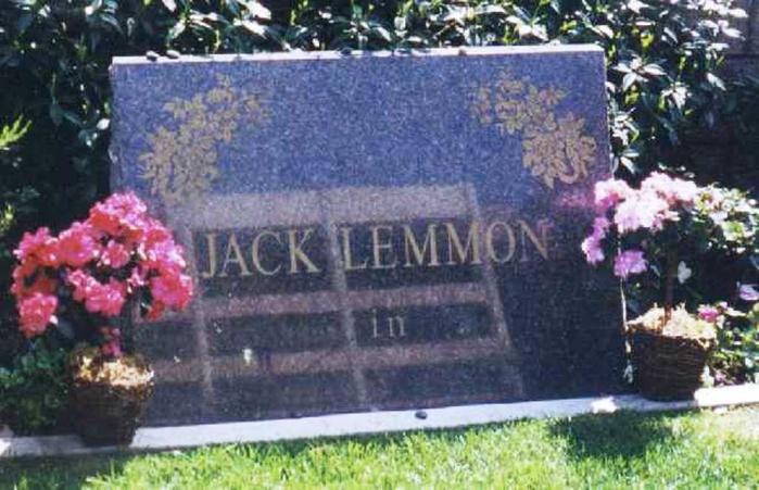 http://img1.liveinternet.ru/images/attach/c/11/127/854/127854277_Jack_Lemmon_headstone.jpg