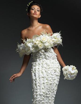 платье из лепестков роз 2 (345x442, 83Kb)