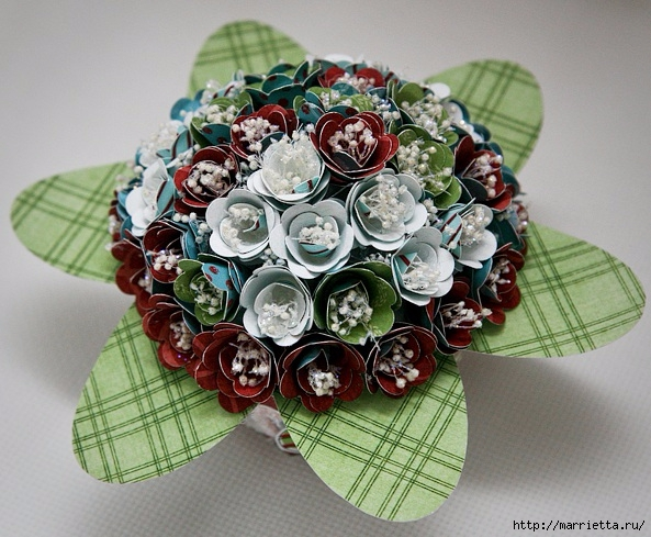 cesta de papel de rosas con sus manos (14) (593x489, 231KB)