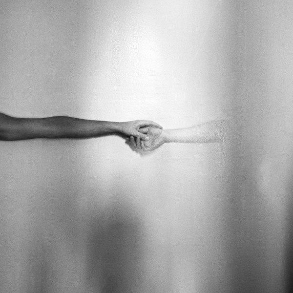 руки издалека (600x600, 141Kb)