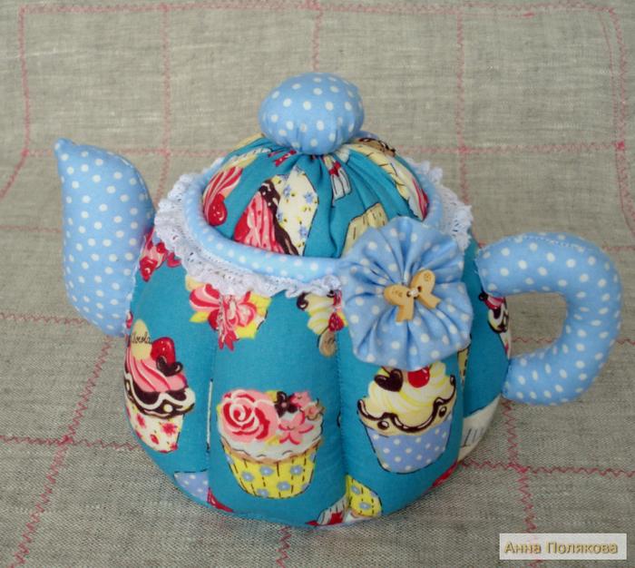 Новая партия подарочных текстильных чайничков к праздникам.