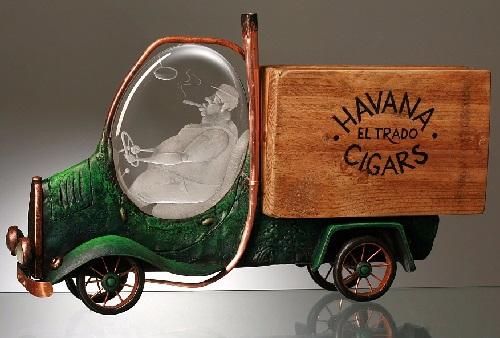 A-camión-carga-cigars.-maravilloso-trabajo-de-grabado-vidrio-metal-madera (500x338, 178KB)