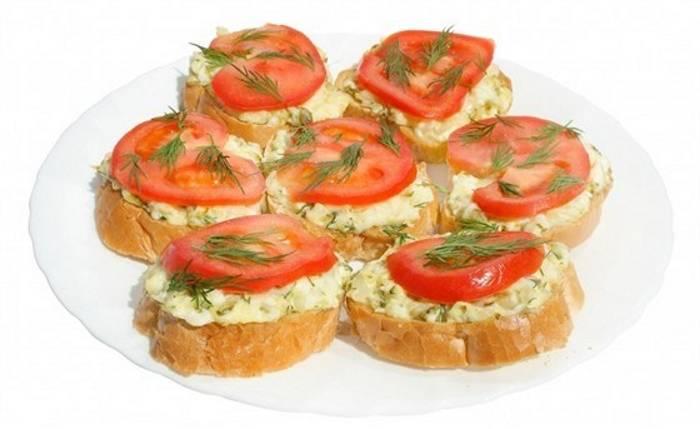 Бутерброды сыр с чесноком помидор