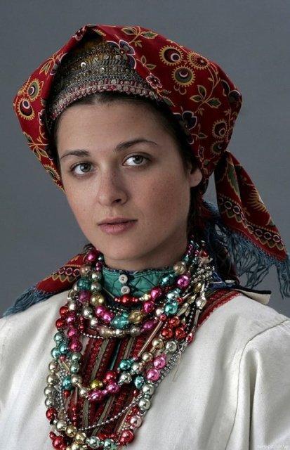 4947567_Rysskaya_krasavica_nacionalnii_kostum_ (413x640, 60Kb)