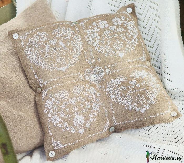 Винтажная подушка с вышивкой. Схемы (1) (700x622, 531Kb)