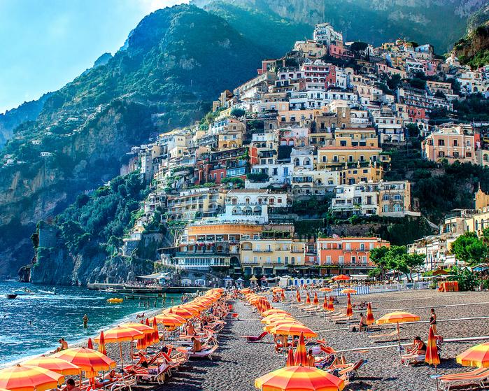 1. Позитано, Италия. (700x559, 826Kb)