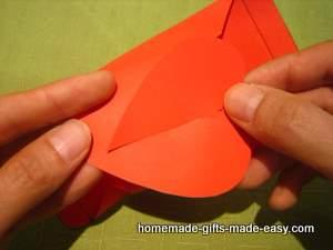 Шаблон сердечной коробочки для подарка (12) (300x225, 49Kb)