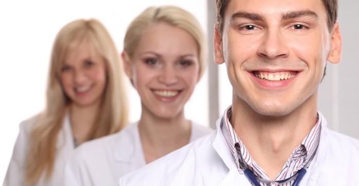 """alt=""""Запишись на приём к лучшим врачам!""""/2835299_7_vrachi (700x363, 40Kb)"""
