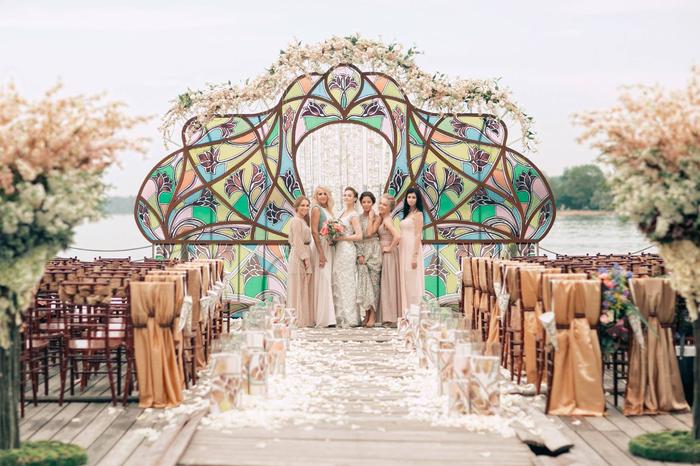Проведение свадьбы в загородном отеле Подмосковья