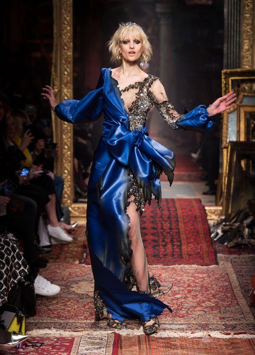 коллекция вечерних платьев Moschino 2 (502x700, 311Kb)