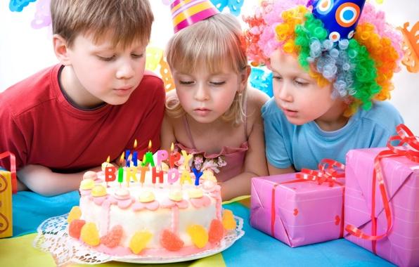 детский день рождения/4348076_prazdnikidenrozhdeniyatort (596x380, 104Kb)