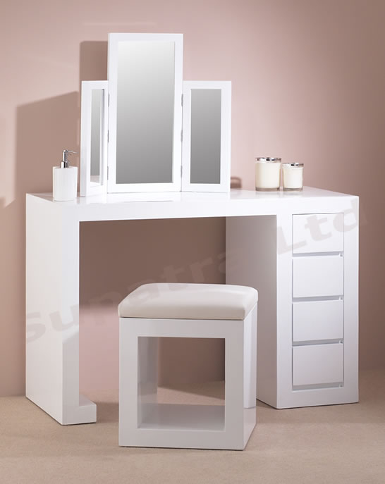 DRT1W_dressing_table_cam (546x687, 87Kb)