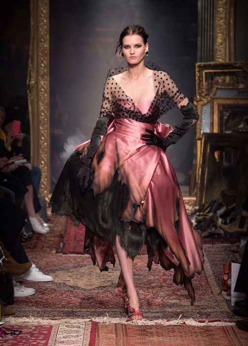 коллекция вечерних платьев Moschino 3 (502x700, 281Kb)
