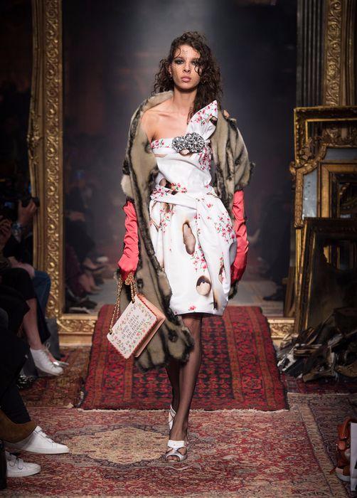 коллекция вечерних платьев Moschino 4 (502x700, 308Kb)