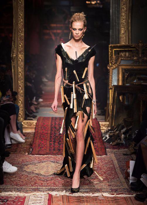 коллекция вечерних платьев Moschino 7 (502x700, 315Kb)