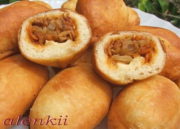 Пирожки с картошкой и квашеной капустой жареные