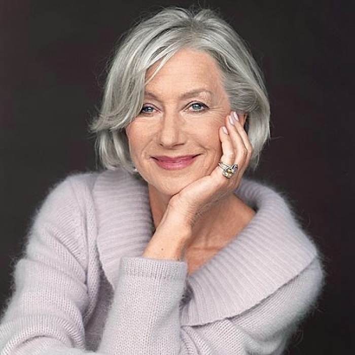 Short haircuts for grey haired woman