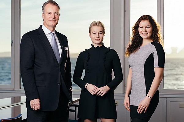 Йохан Андресен с дочерьми Катариной и Александрой