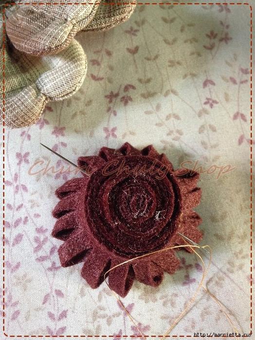 Текстильная брошь с цветами из ткани. Мастер-класс (16) (524x700, 368Kb)