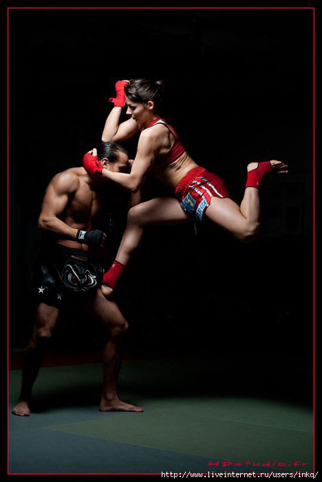 Muay thai boxing women