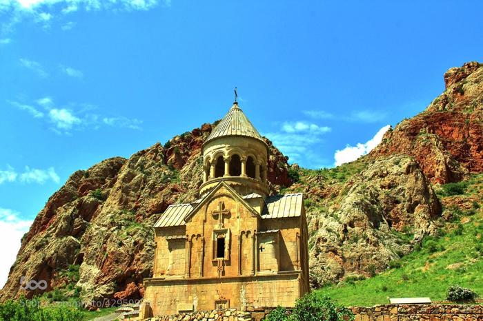 3. Монастырь Нораванк (700x466, 461Kb)