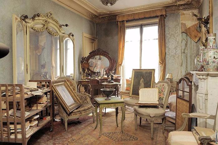 Парижская квартира1 (700x465, 389Kb)