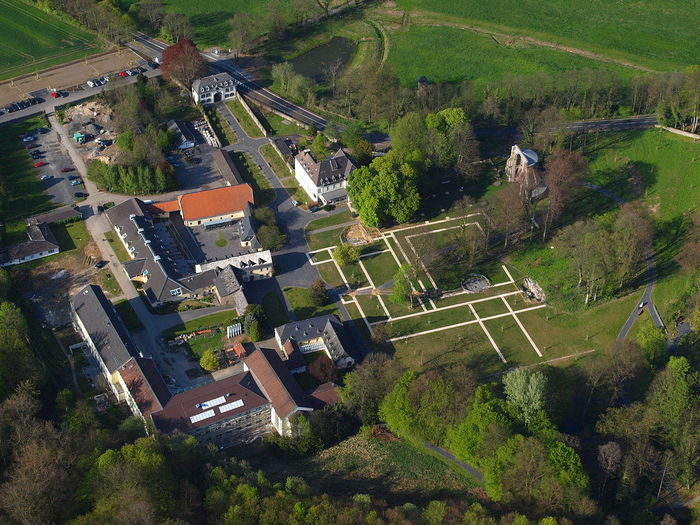 1280px-Klosterruine-Heisterbach-045 (700x525, 107Kb)