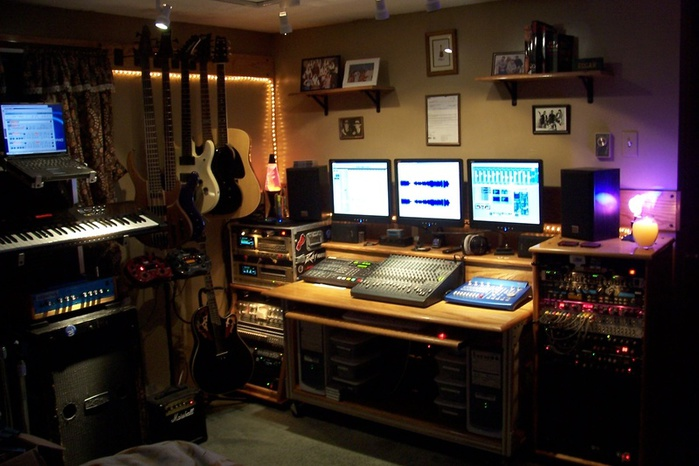 5788817_sojen_audio_recording_studio2006 (700x466, 115Kb)