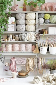 ideas-to-organize-your-craft-room-in-the-best-way-30-554x830 (233x350, 98Kb)