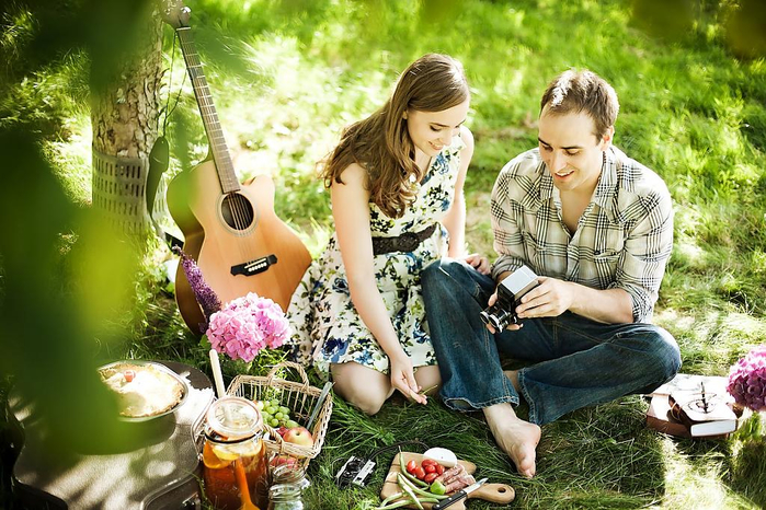 picnic-style-engagement-04 (700x466, 463Kb)