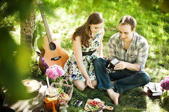 picnic-style-engagement-04 (700x466, 463Kb)