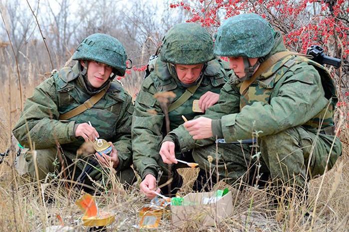 Что входит в состав армейского сухого пайка разных стран