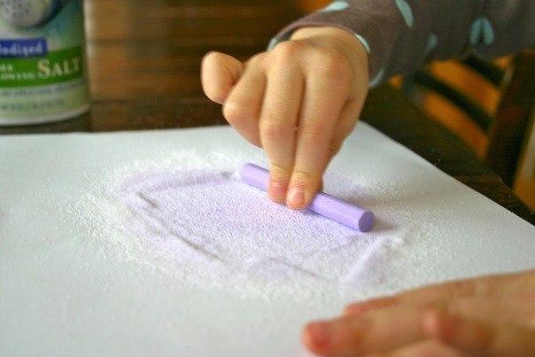 Как сделать цветной песок своими руками из манки