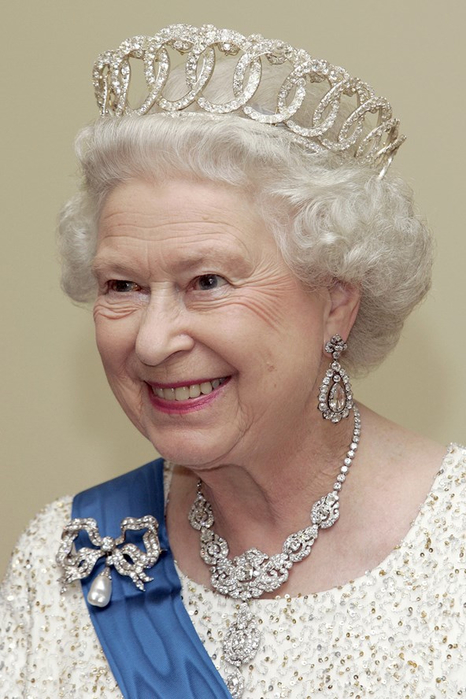 the-queen-2006-13nov15-getty_b_592x888 (466x700, 304Kb)