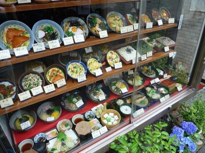Фото «сампуку». Искусственные блюда на витринах общепита в Японии