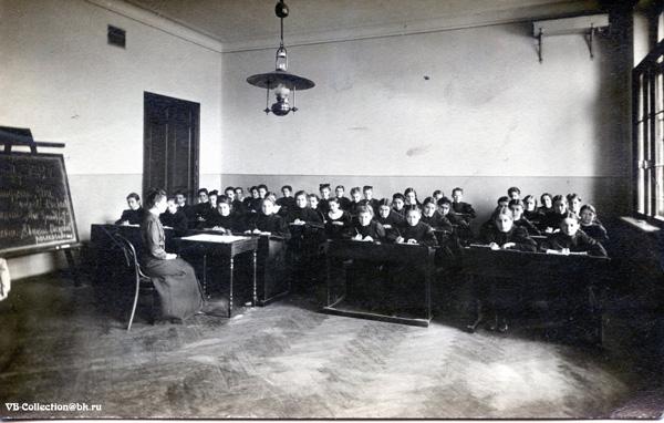 Александровская женская гимназия Санкт-Петербург/1455914792_F121001WEB (600x382, 93Kb)