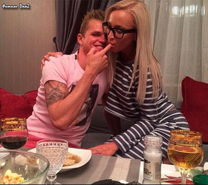 Life.ru: Бузова сказала, что Тарасов с кавказцами выкинул ее из квартиры и потребовал вернуть имущество