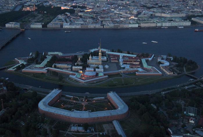 Заячий отсров - Петропавловская крепость (700x474, 145Kb)