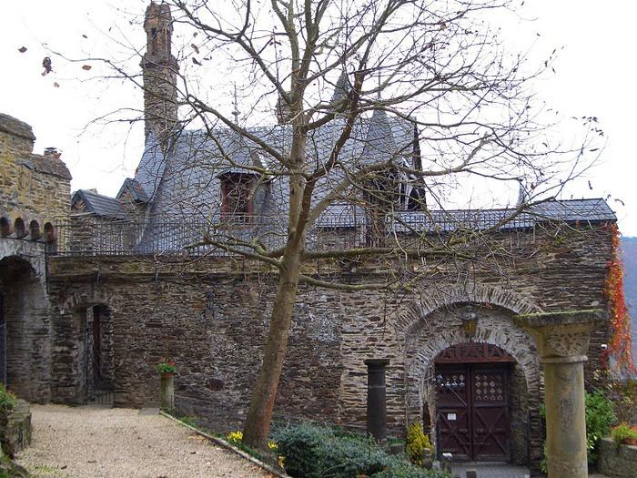 Замок Кохем под Райхсбургом. Германия. 10065