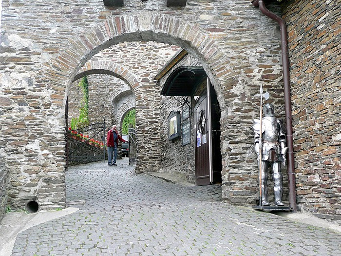 Замок Кохем под Райхсбургом. Германия. 31109