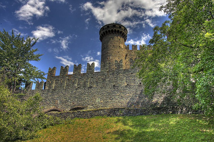 Итальянский замок Фенис (Castello di Fenis) 56872