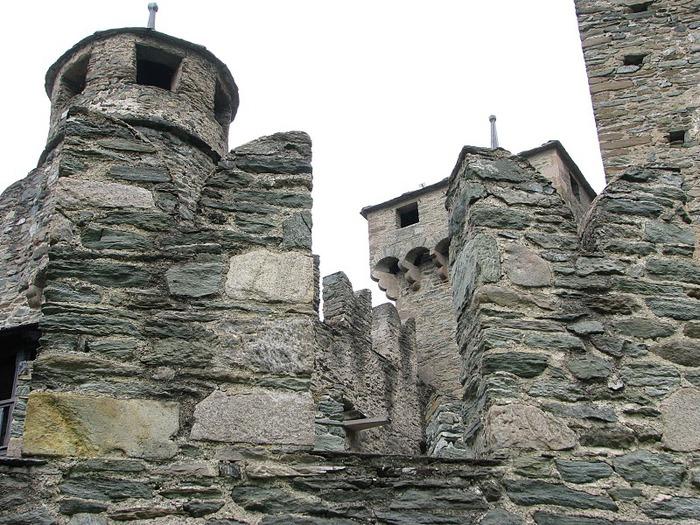 Итальянский замок Фенис (Castello di Fenis) 71664