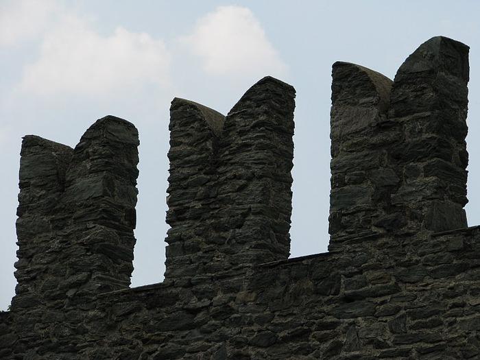 Итальянский замок Фенис (Castello di Fenis) 54983