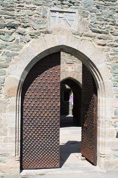 Итальянский замок Фенис (Castello di Fenis) 74585
