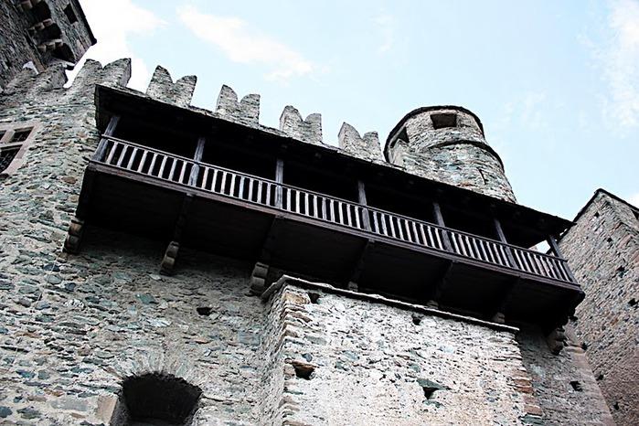 Итальянский замок Фенис (Castello di Fenis) 10272